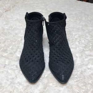 Mesh ankle booties
